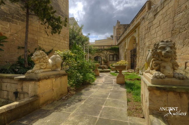 outdoor-garden-with-antique-limestone-flooring