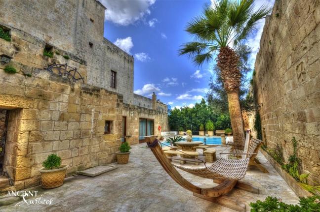 outdoor-limestone-antique-floors